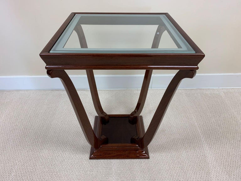 Pair of French Style Streamline Art Deco Glass Top Side Tables In Excellent Condition For Sale In Bernville, PA