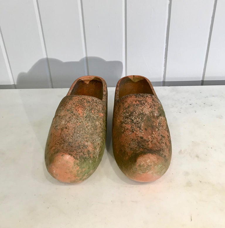 Pair of French Terracotta Dutch Clog Planters In Good Condition For Sale In Woodbury, CT