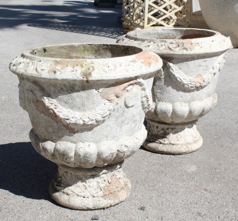 Pair of French Terracotta Garden Planters In Good Condition For Sale In Malaga, ES