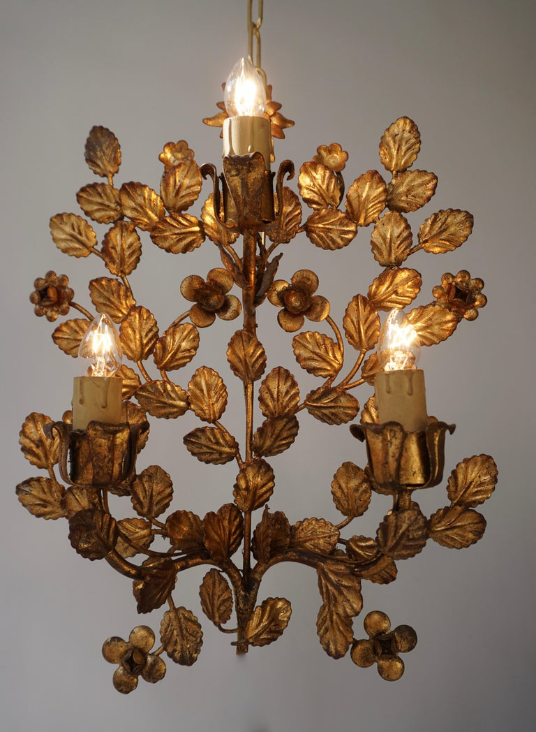 Italian Pair of French Toleware Gilded Wall Lights For Sale