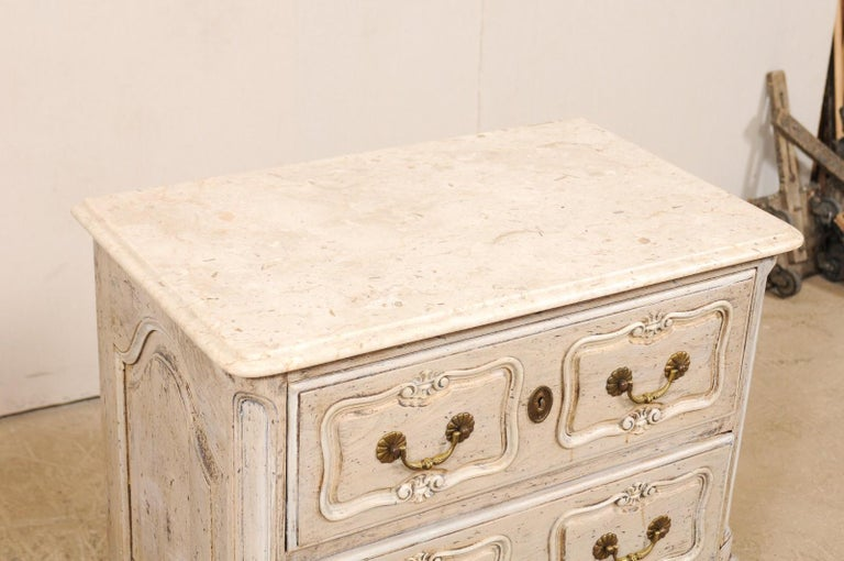 Pair of French Vintage Marble-Top Painted Wood Commodes with Pierced Skirts In Good Condition For Sale In Atlanta, GA