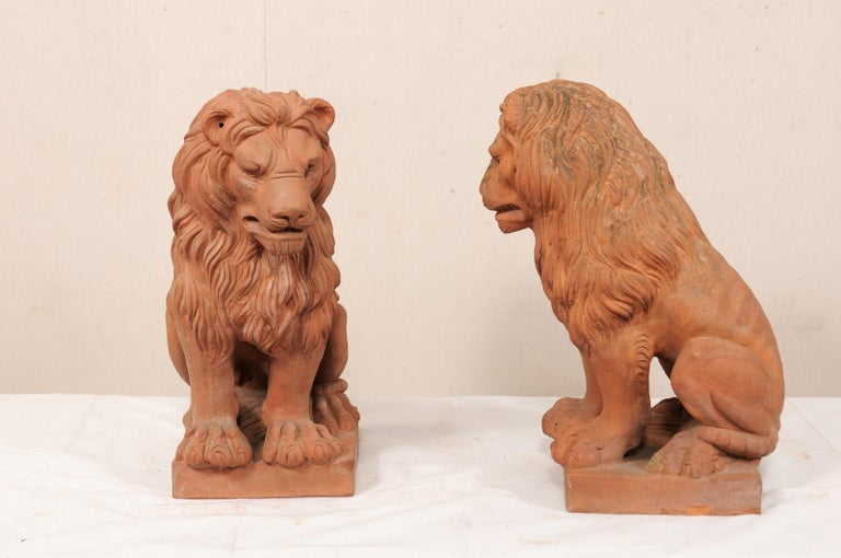 20th Century Pair of French Vintage Terracotta Snarling Lion Statues For Sale