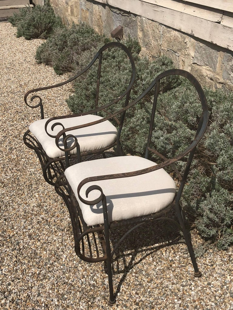 Mid-Century Modern Pair of French Wrought Iron Garden Lounge Chairs For Sale