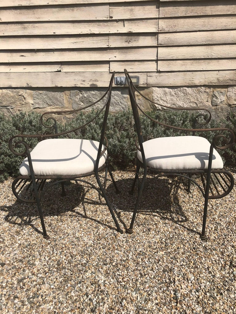 20th Century Pair of French Wrought Iron Garden Lounge Chairs For Sale