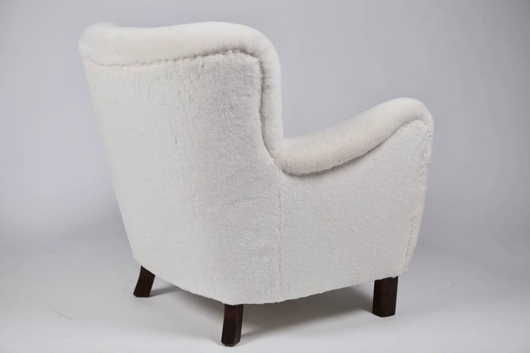 Pair of Fritz Hansen 1669 Easy Chairs For Sale 6