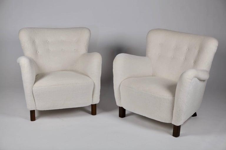 Danish Pair of Fritz Hansen 1669 Easy Chairs For Sale