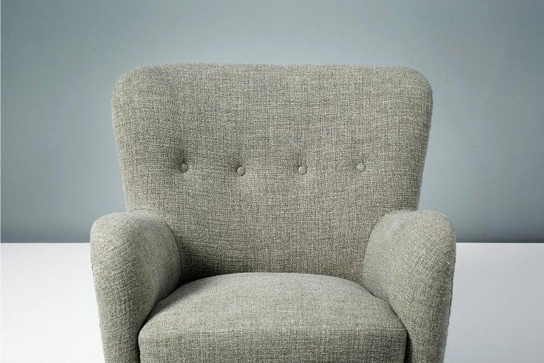 Scandinavian Modern Pair of Fritz Hansen 1940s Linen Armchairs For Sale