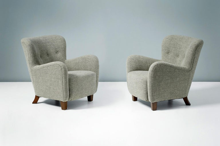Pair of Fritz Hansen 1940s Linen Armchairs In Excellent Condition For Sale In London, GB