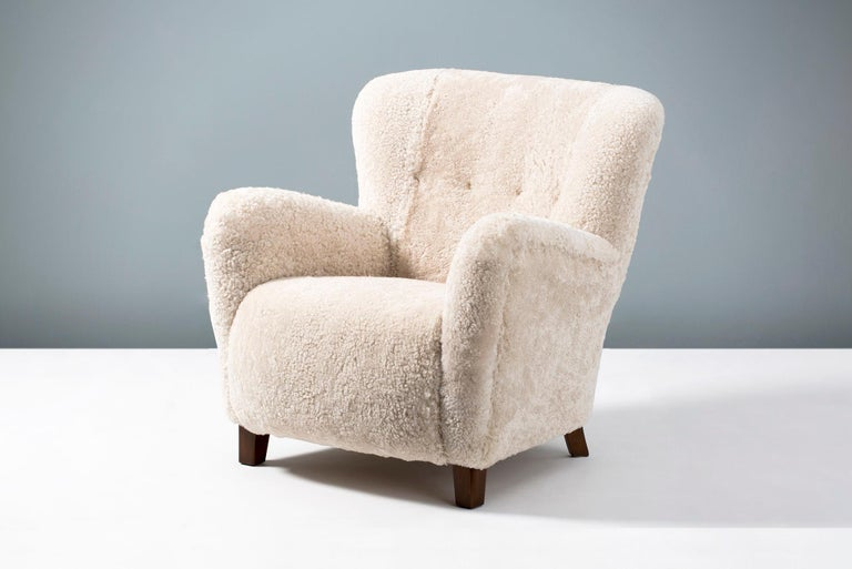 Pair of Fritz Hansen 1940s Sheepskin Armchairs In Excellent Condition In London, GB