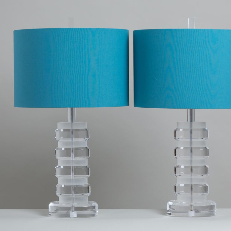 Pair of Frosted and Clear Lucite Stacked Table Lamps, 1970s In Good Condition For Sale In London, GB