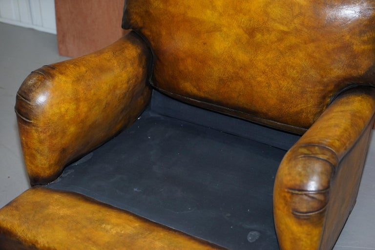 Pair of Fully Restored Howard & Son's Bridgewater Whisky Brown Leather Armchairs For Sale 4