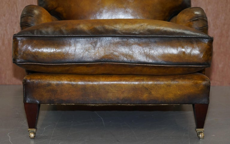 Pair of Fully Restored Howard & Son's Bridgewater Whisky Brown Leather Armchairs In Good Condition For Sale In London, GB