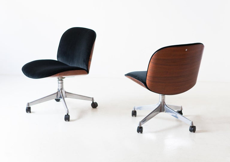 Mid-Century Modern Pair of Fully Restored Rosewood and Velvet Desk Chairs by Ico Parisi for MIM