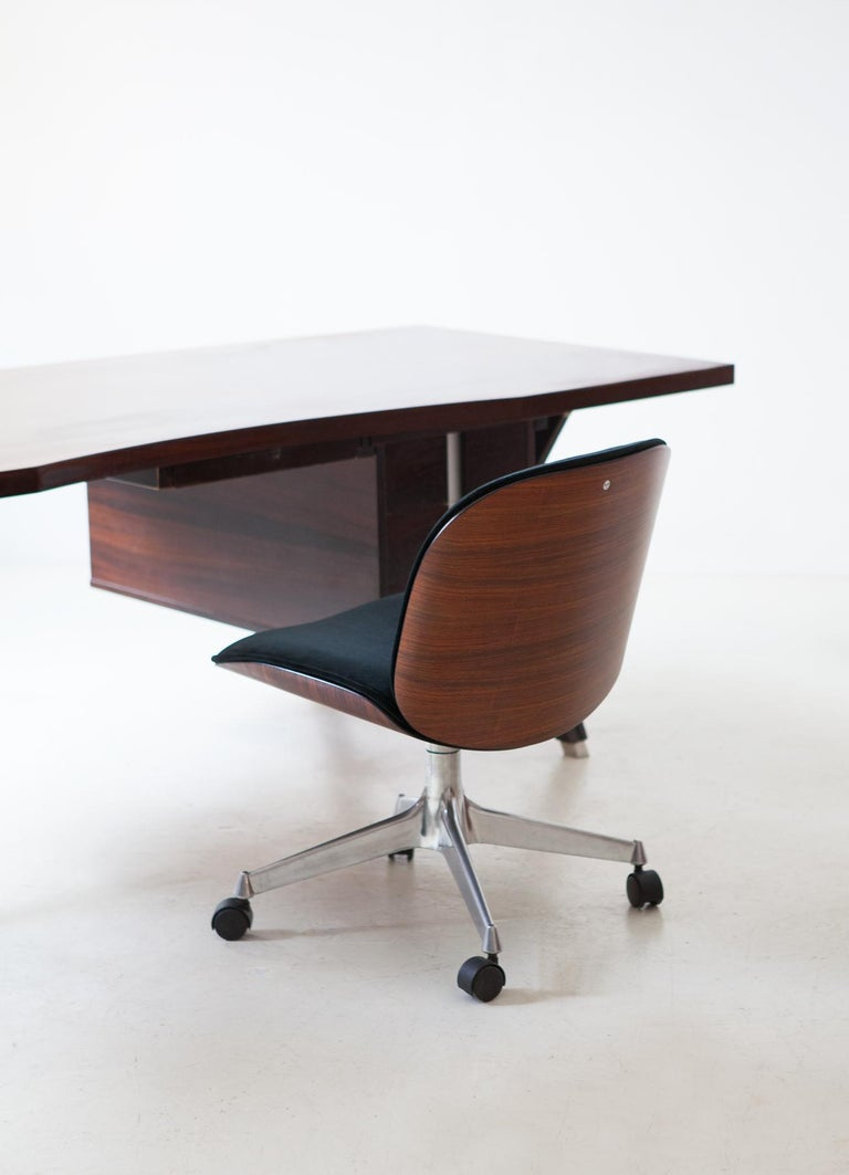 Pair of Fully Restored Rosewood and Velvet Desk Chairs by Ico Parisi for MIM In Good Condition In Rome, IT