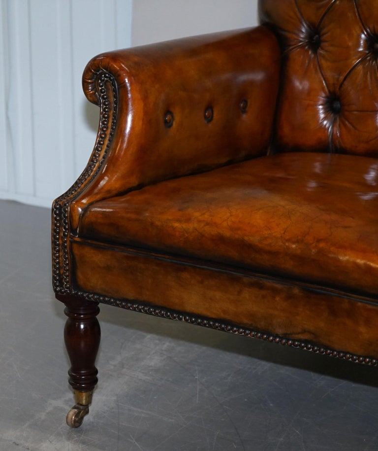 Pair of Fully Restored Vintage Hand Dyed Leather Chesterfield Club Armchairs In Good Condition In London, GB