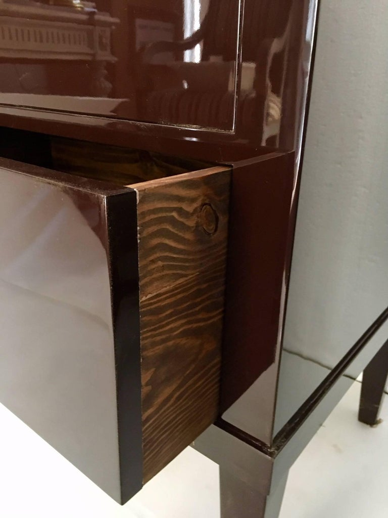 Beech Pair of Garnet Lacquered Bierdemeier Style Commodes or Nightstands For Sale