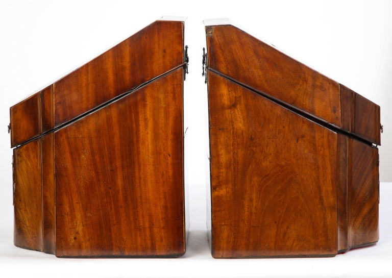 Pair of George III Inlaid Satinwood Cutlery Boxes, Late 18th Century In Good Condition For Sale In New York, NY