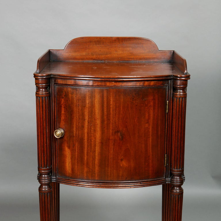 Pair of George III Mahogany Bedside Cabinet Nightstands Manner of Gillows For Sale 6
