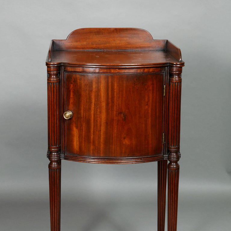 18th Century Pair of George III Mahogany Bedside Cabinet Nightstands Manner of Gillows For Sale