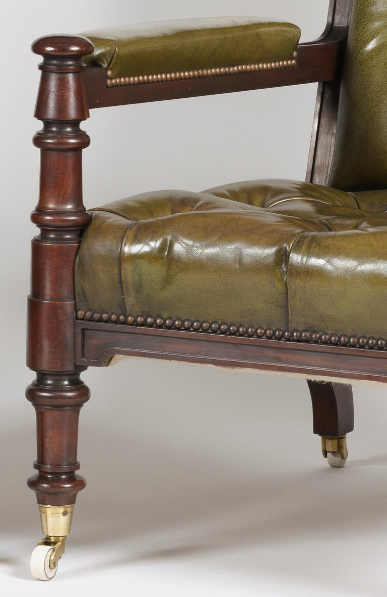 19th Century Pair of Georgian Mahogany and Green Leather Armchairs For Sale