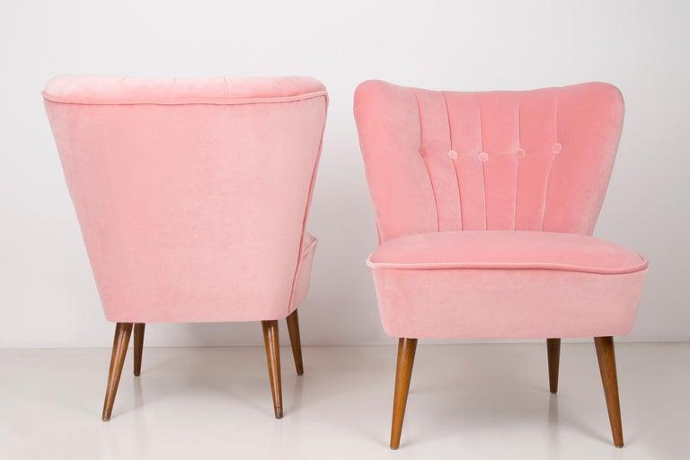 Pair of German Midcentury Baby Pink Velvet Club Armchairs, 1960s In Excellent Condition For Sale In 05-080 Hornowek, PL