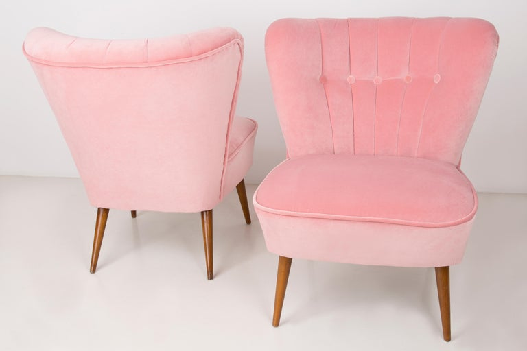 20th Century Pair of German Midcentury Baby Pink Velvet Club Armchairs, 1960s For Sale