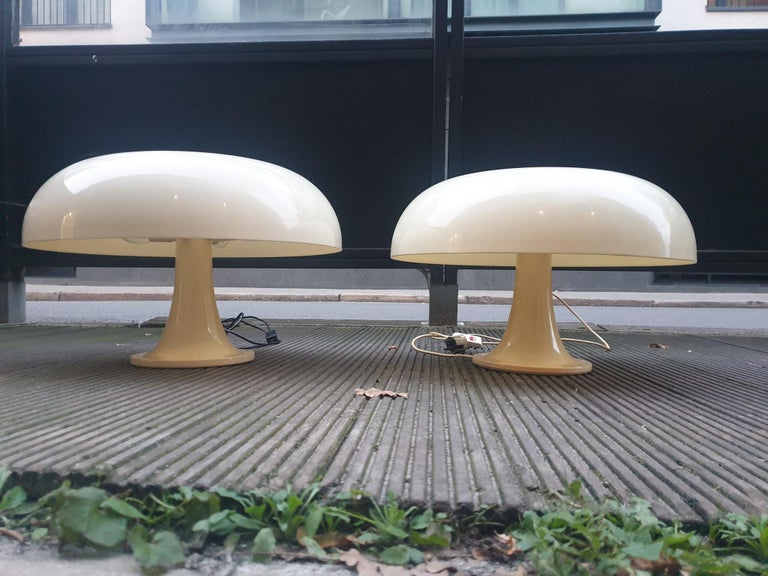 Italian Pair of Giancarlo Mattioli Nesso Table Lamps by Artemide For Sale