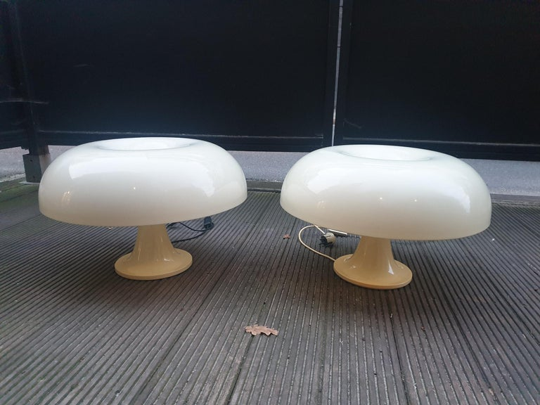 Pair of Giancarlo Mattioli Nesso Table Lamps by Artemide For Sale 2