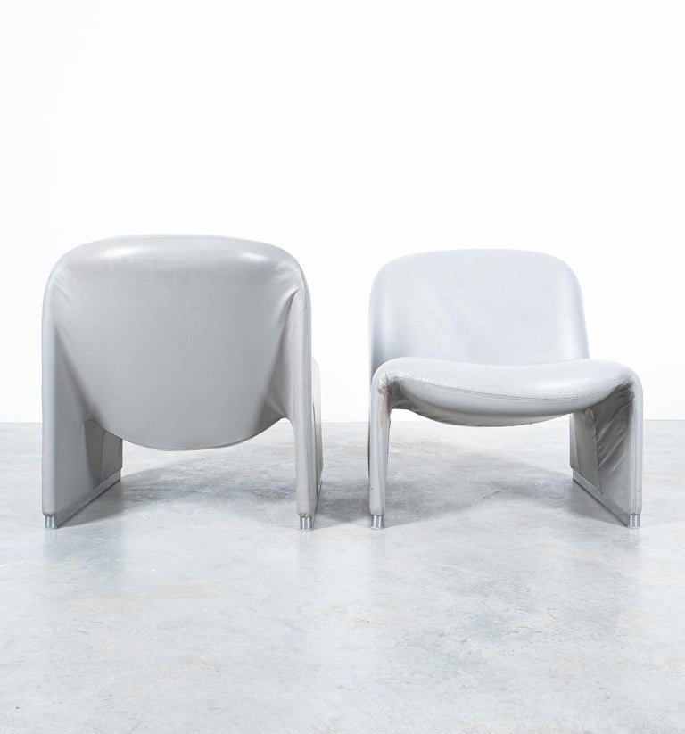 """Pair of Giancarlo Piretti """"Alky"""" Grey Leather Chairs, Castelli, 1969 For Sale 4"""