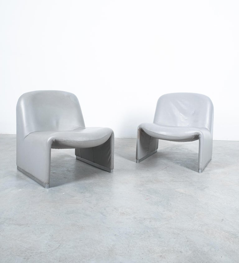 """Pair of Giancarlo Piretti """"Alky"""" Grey Leather Chairs, Castelli, 1969 For Sale 5"""
