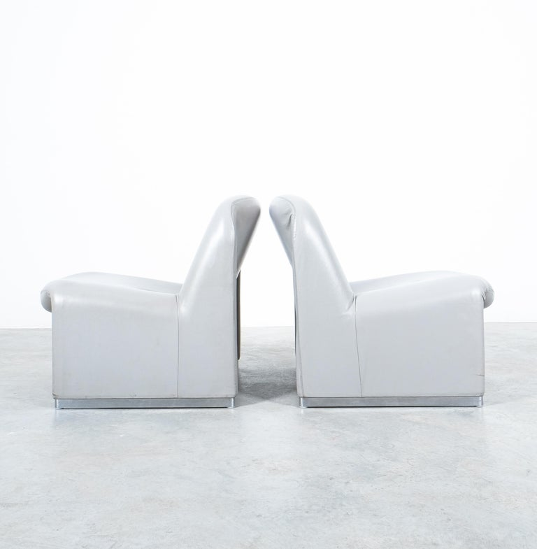 """Italian Pair of Giancarlo Piretti """"Alky"""" Grey Leather Chairs, Castelli, 1969 For Sale"""