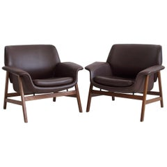 Pair of Gianfranco Frattini Brown Armchairs, Model 849