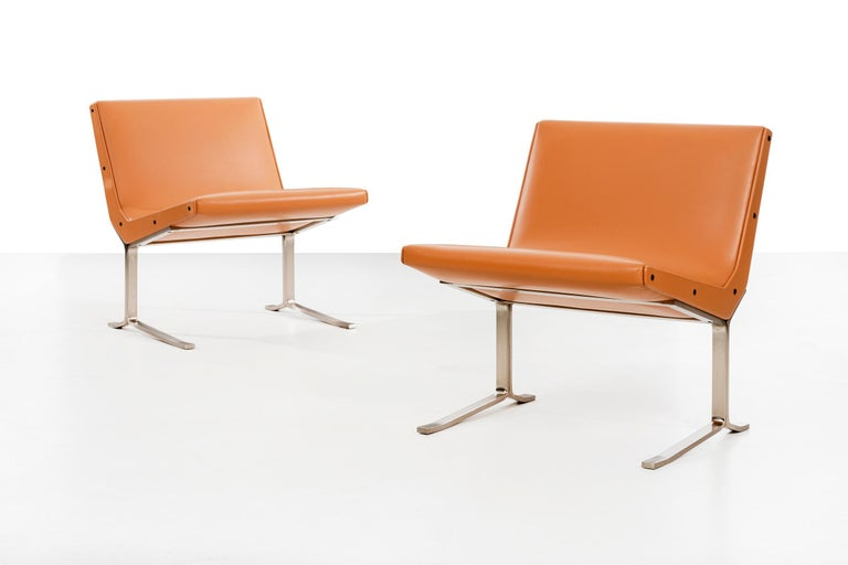 Mid-Century Modern Pair of Gianni Moscatelli Lounge Chairs For Sale