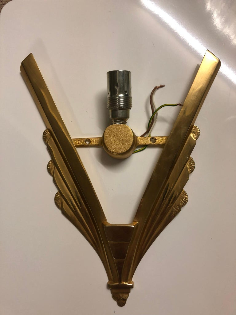 Pair of Gilt Brass and Glass Wall Sconces, Art Deco Style, France, circa 1970s For Sale 12