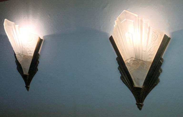 Pair of Gilt Brass and Glass Wall Sconces, Art Deco Style, France, circa 1970s For Sale 1