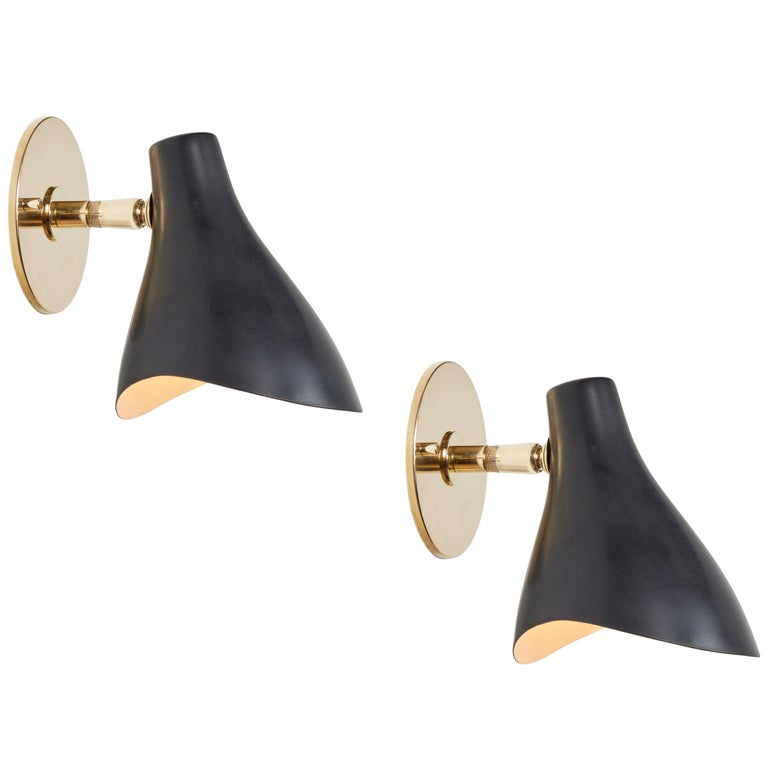 Pair of Gino Sarfatti Model #10 Sconces in Green for Arteluce In Good Condition For Sale In Glendale, CA