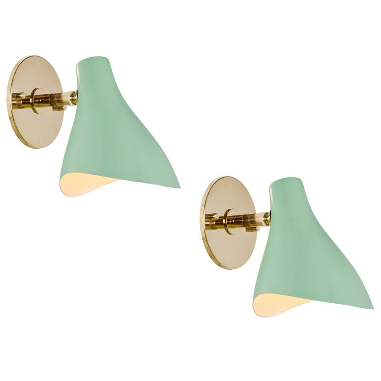 Pair of Gino Sarfatti Model #10 Sconces in Green for Arteluce For Sale