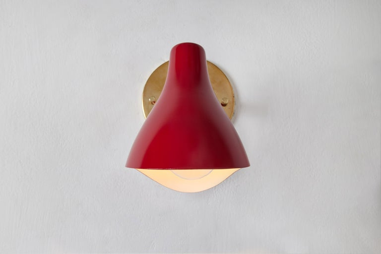 Mid-20th Century Pair of Gino Sarfatti Model #10 Sconces in Red for Arteluce For Sale