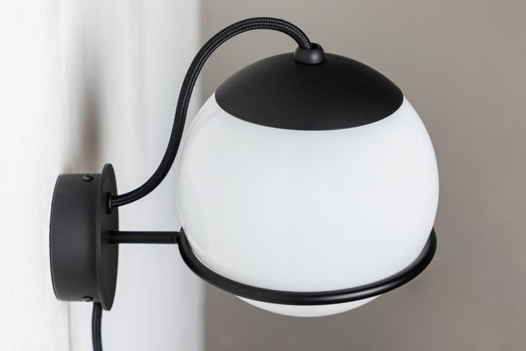 Painted Pair of Gino Sarfatti Model 237/1 Wall Lamps in Black For Sale