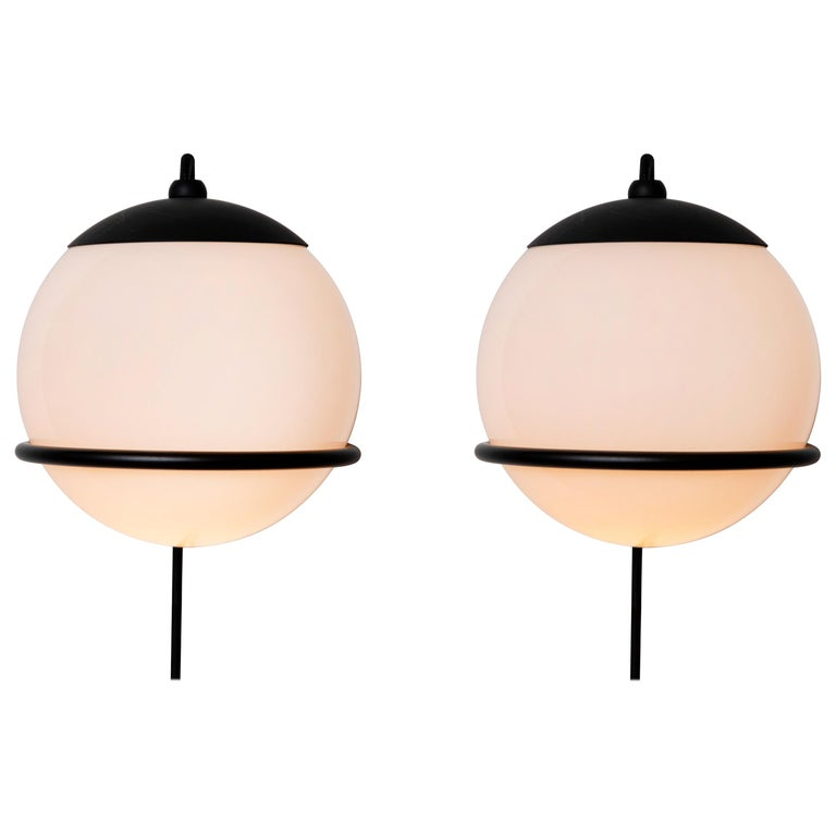 Pair of Gino Sarfatti Model 237/1 Wall Lamps in Black For Sale
