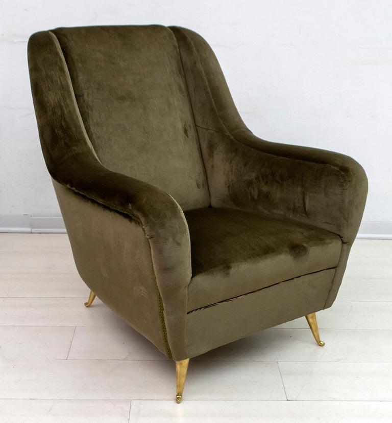 Pair of Gio Ponti Mid-Century Modern Italian Velvet Armchairs for ISA, 1950s For Sale 7