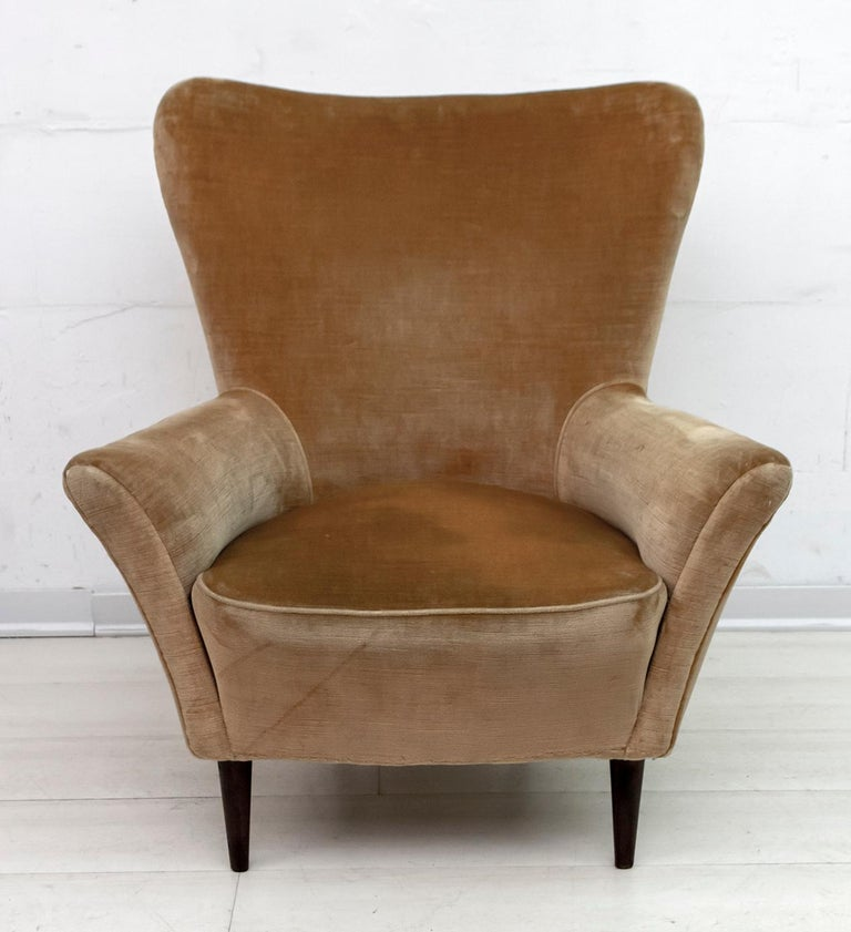 Pair of Gio Ponti Mid-Century Modern Italian Velvet Small Armchairs for ISA For Sale 6