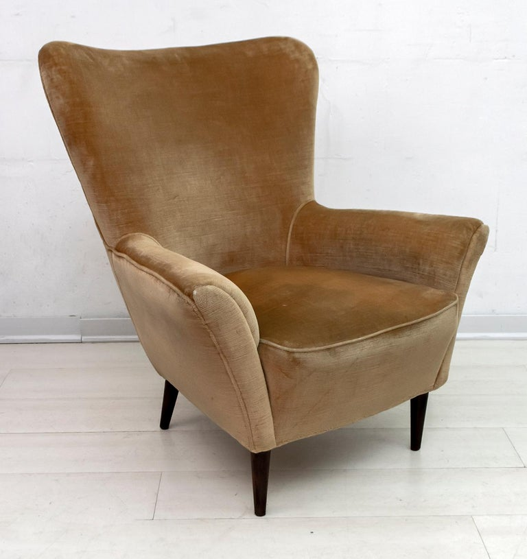 Pair of Gio Ponti Mid-Century Modern Italian Velvet Small Armchairs for ISA For Sale 5