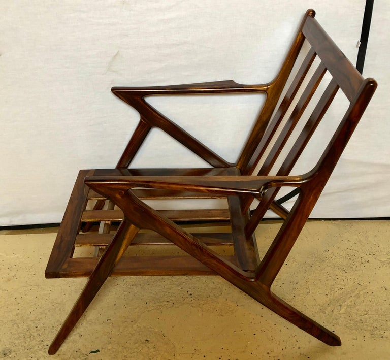 Pair of Gio Ponti Style Mid-Century Modern Rosewood / Walnut Armchairs For Sale 4