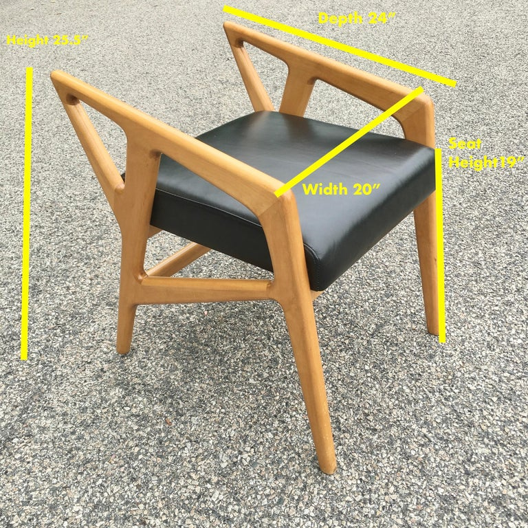 Mid-Century Modern Pair of Gio Ponti Style Stools For Sale