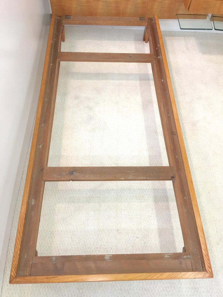Pair of Gio Ponti Style Twin Beds For Sale 5
