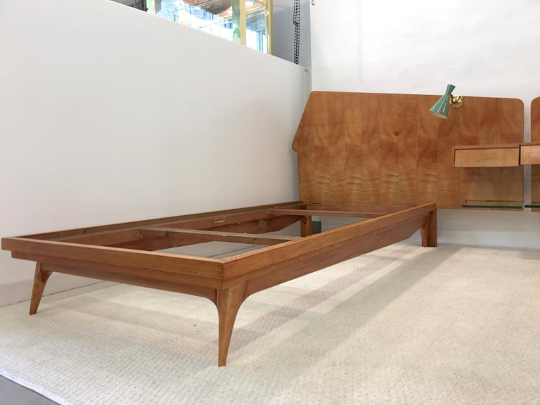 Pair of Gio Ponti Style Twin Beds For Sale 7