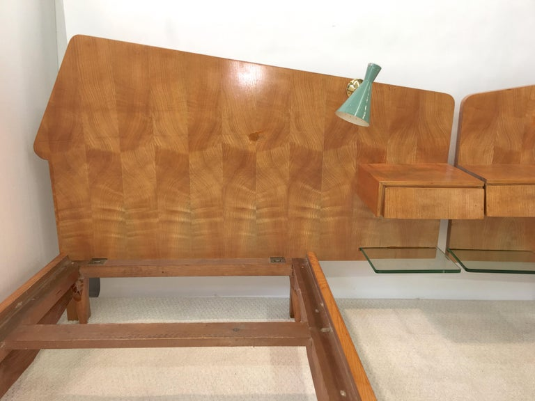 Pair of Gio Ponti Style Twin Beds For Sale 10