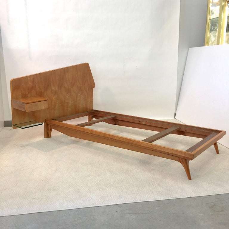 Italian Pair of Gio Ponti Style Twin Beds For Sale