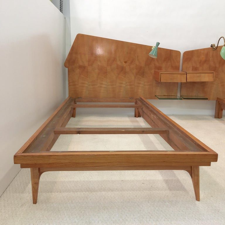 Aluminum Pair of Gio Ponti Style Twin Beds For Sale